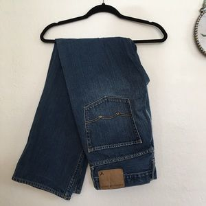 American Eagle Relaxed Straight Leg Jeans